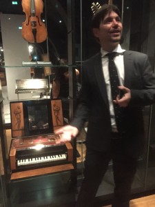 Huismuz-uitleg-Giov-minipiano